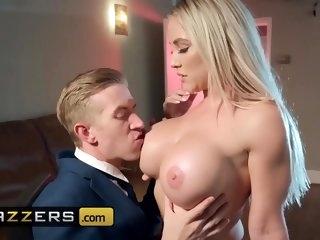 Big boobsz