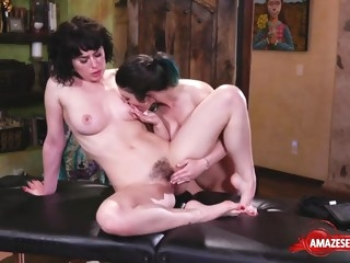 Darkhaired Babe sister copulation and massage