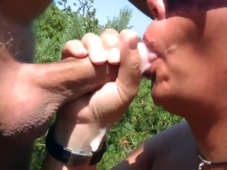 Dogging beach milf wwallowing lots of cum from strangers